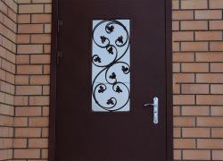 Входная уличная дверь. Цена от 22 000 руб.